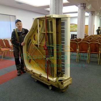 Перенос и перестановка рояля в концертном зале