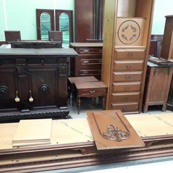Разборка и сборка антикварной мебели шкафов