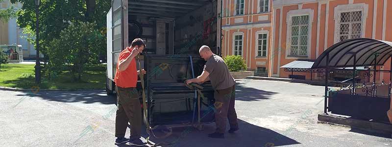 Профессиональная перевозка фортепиано в Александро-невскую лавру